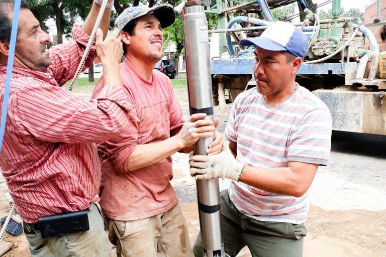 Perforación e instalación de bomba sumergible