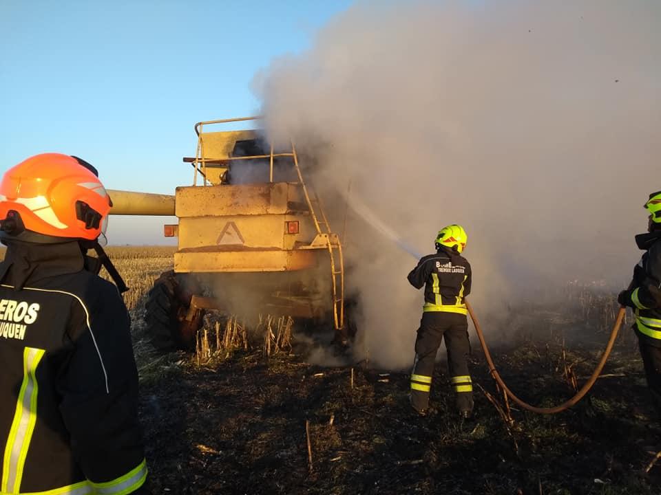 Incendio de cosechadora en Primera Junta