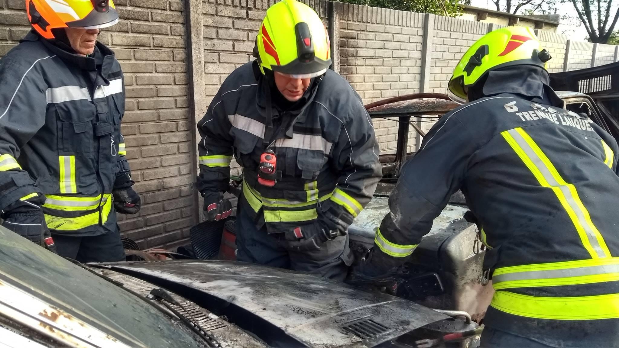 Incendio de Vehiculos en Barrio Centenario