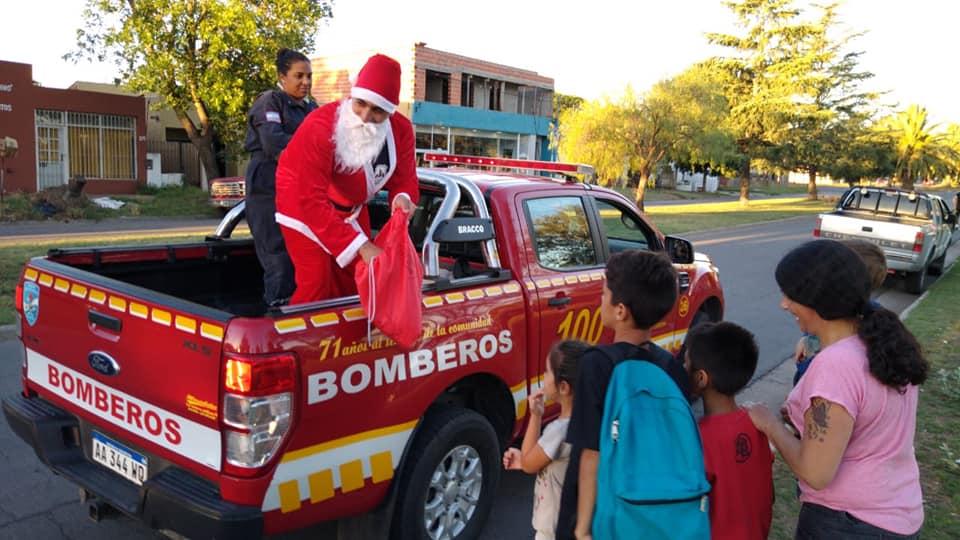 ¡La magia de Papá Noel junto a Bomberos!