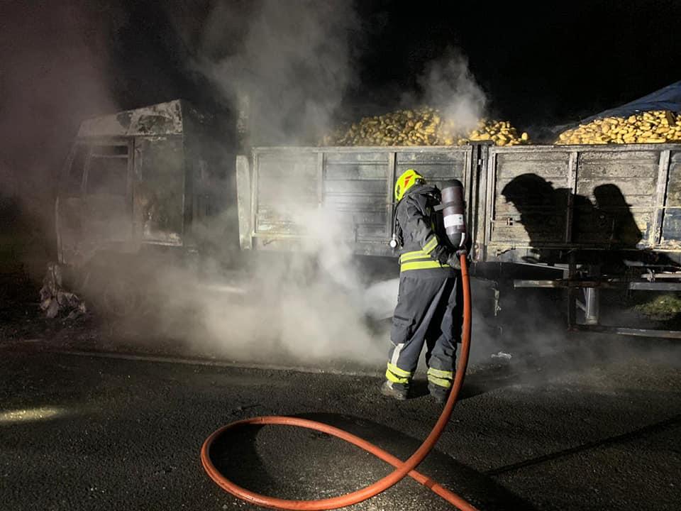 Incendio de camión en Ruta Nacional 33