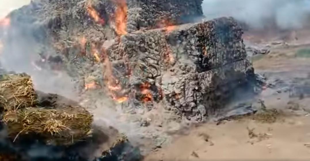 Incendio en depósito de alfalfa
