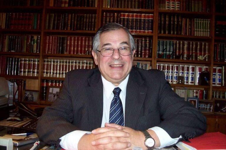 Dr. Ricardo Avelino Kurlat QEPD